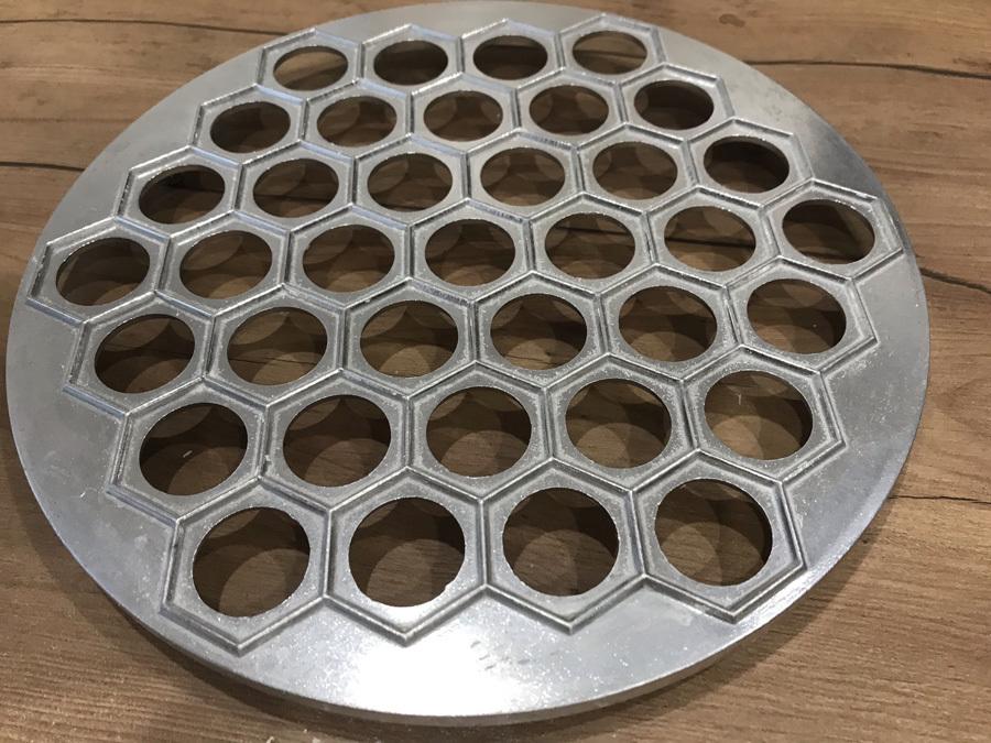 Form für Pelmeni